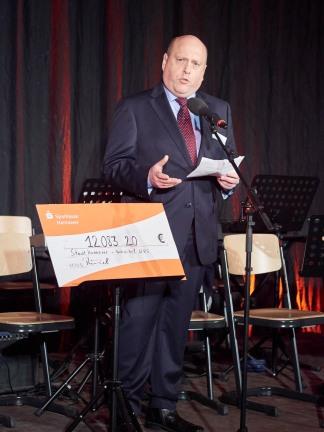 Herr Stössel, Elternratsvorsitzender