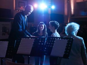 Herr Meyer-Ravenstein, Lara, Kristin und Frau Jensch